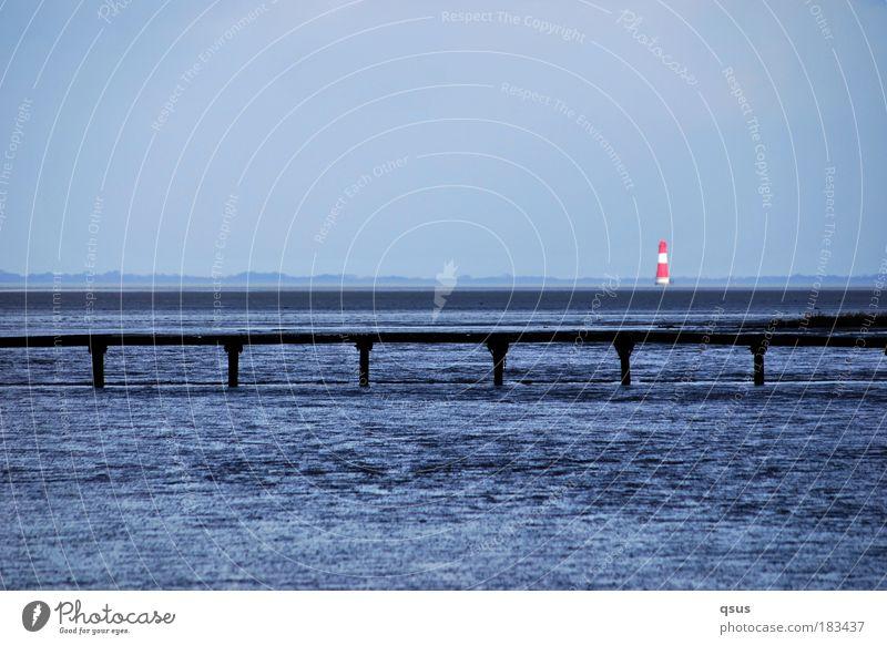 Wie er leuchtet... Wasser Meer blau Ferne Wellen Küste Ausflug Steg Schifffahrt Leuchtturm Nordsee Wegweiser Wattenmeer horizontal Jadebusen