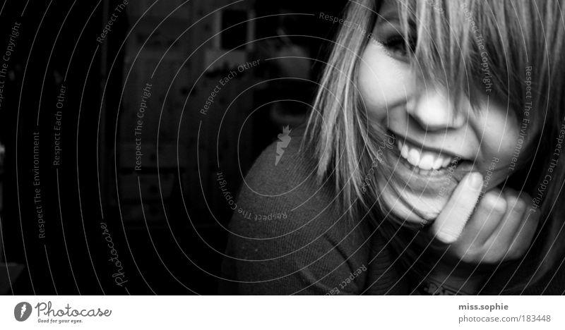 just happy Jugendliche Mensch Freude Gesicht schwarz Mund feminin Gefühle Hand lachen Zufriedenheit Stimmung lustig Schwarzweißfoto Finger