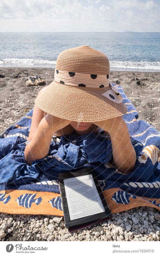 abgetaucht Zufriedenheit ruhig Freizeit & Hobby Ferien & Urlaub & Reisen Tourismus Ausflug Ferne Sonnenbad Strand Meer Insel E-Book Mensch feminin Frau