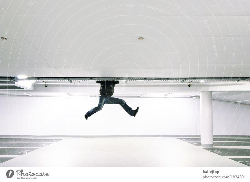 googeln Mensch Mann Erwachsene Beine Fuß Reflexion & Spiegelung maskulin Textfreiraum planen Suche Neugier Klettern Information Fitness Säule verstecken