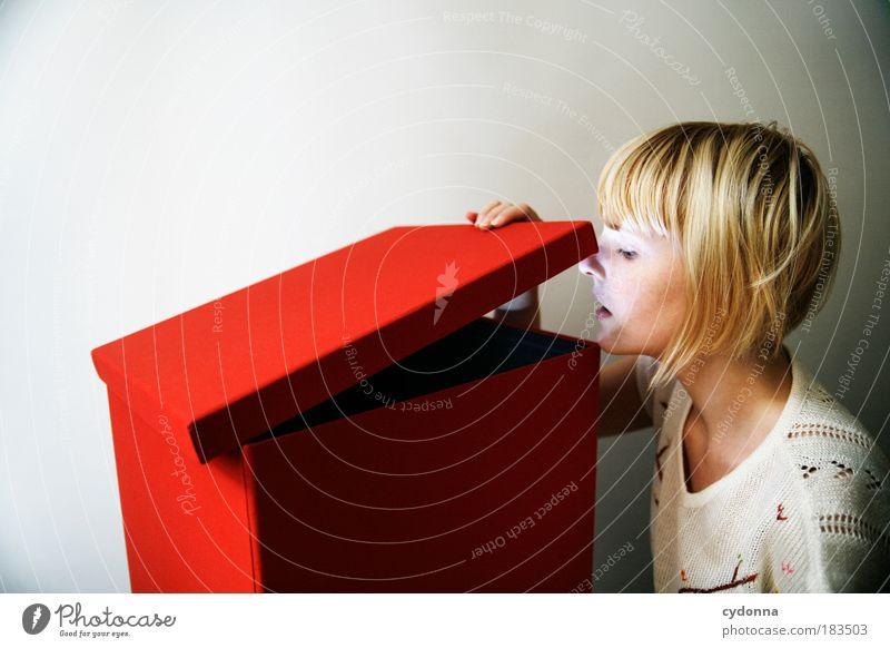 Hello? Mensch Frau Jugendliche 18-30 Jahre Erwachsene Leben Wege & Pfade Stil Design träumen Kraft ästhetisch Perspektive Kommunizieren Zukunft Idee