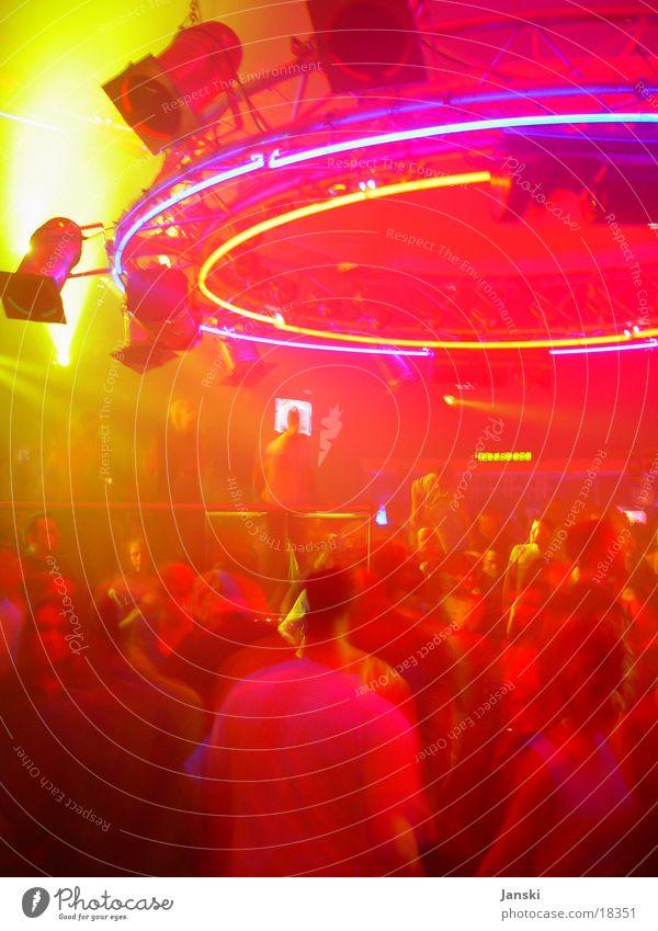 Clubbing Ufo Disco Party Mensch Licht grell gelb rot Wochenende UFO tanzen Feste & Feiern Technik & Technologie Bewegung Freude