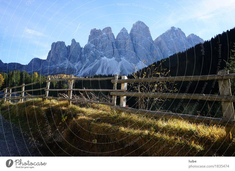 Wandern in Villnöss 4 Ferien & Urlaub & Reisen Tourismus Ausflug Abenteuer Ferne Freiheit Berge u. Gebirge wandern Herbst Hügel Felsen Alpen Gipfel gigantisch