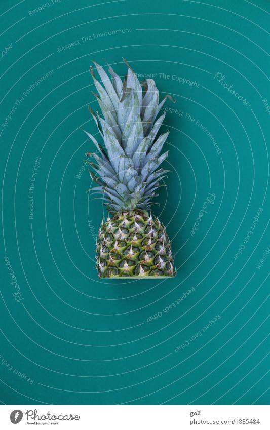 Halbe Ananas Lebensmittel Frucht Ananasblätter Ernährung Essen Bioprodukte Vegetarische Ernährung Gesunde Ernährung Gesundheit lecker grün türkis Farbfoto