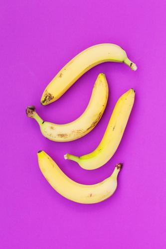 Bananen Gesunde Ernährung gelb Essen Gesundheit Kunst außergewöhnlich Lebensmittel Design Frucht frisch ästhetisch Fröhlichkeit violett lecker Bioprodukte
