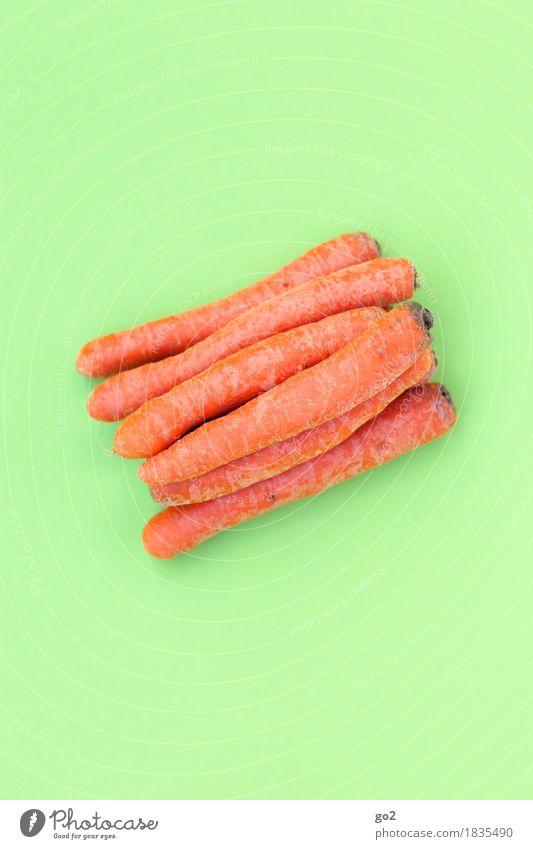 Möhren Lebensmittel Gemüse Ernährung Essen Bioprodukte Vegetarische Ernährung Gesunde Ernährung einfach Gesundheit natürlich grün orange Farbfoto Innenaufnahme