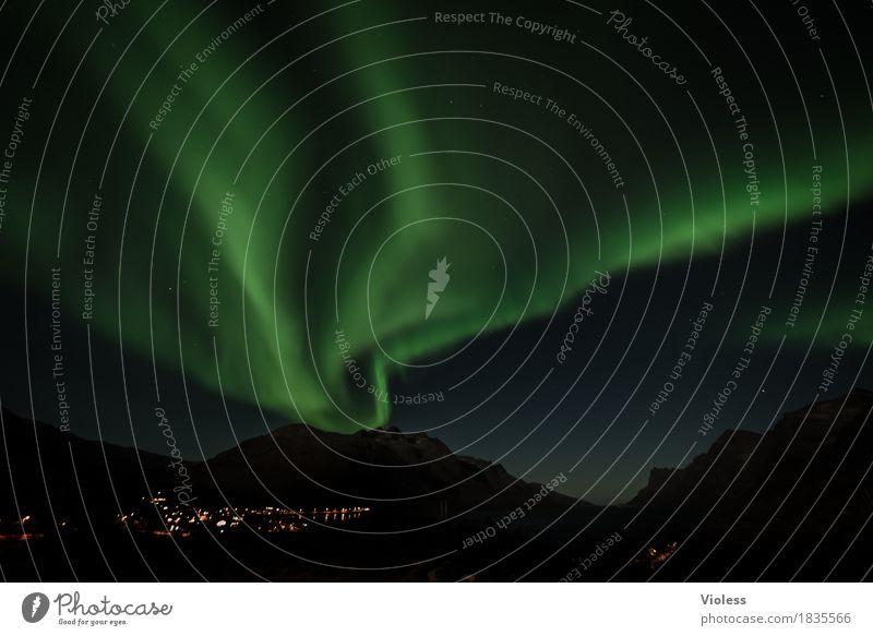 northern lights II Himmel Natur Wolken Herbst außergewöhnlich Horizont geheimnisvoll Unendlichkeit Surrealismus Nachthimmel Norwegen Fjord demütig Nordlicht