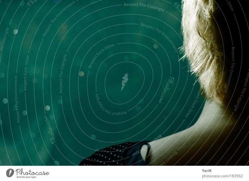 seitenlicht Frau Mensch Jugendliche Wasser grün blau ruhig feminin Haare & Frisuren träumen Kopf Haut blond Erwachsene Schwimmbad Spiegel