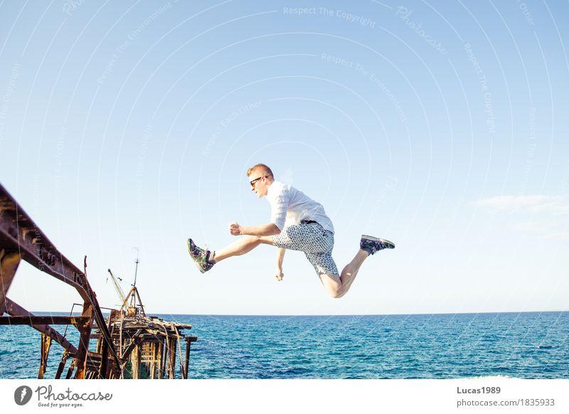 Abenteuer II Mensch Ferien & Urlaub & Reisen Jugendliche Mann alt Junger Mann Meer Ferne Strand 18-30 Jahre Erwachsene Architektur Leben Lifestyle Sport Küste
