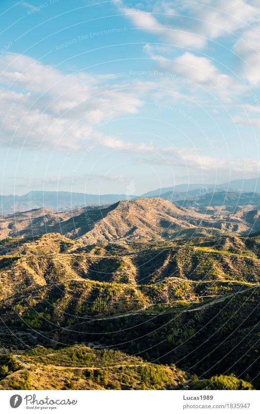 Landschaft Ferien & Urlaub & Reisen Tourismus Ausflug Abenteuer Ferne Freiheit Umwelt Natur Pflanze Himmel Wolken Sommer Baum Sträucher Hügel Felsen