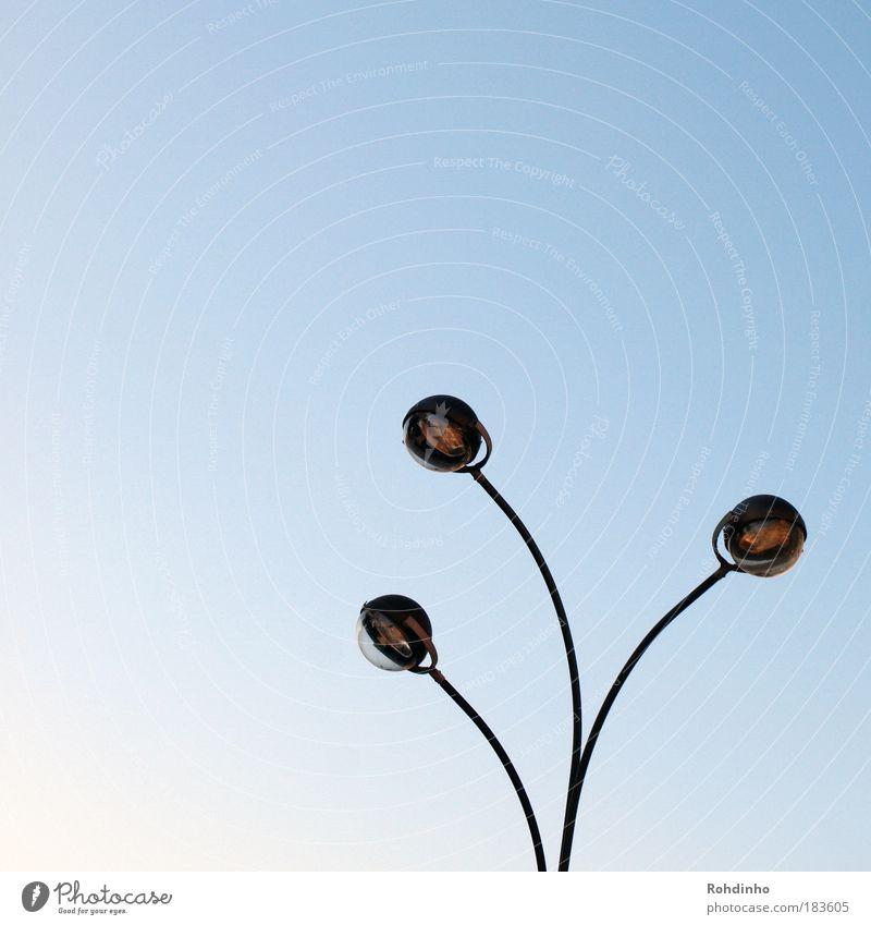 Lichtfühler blau Straße Umwelt Lampe elegant 3 Verkehr Energiewirtschaft ästhetisch Zukunft leuchten rund Technik & Technologie einzigartig Laterne