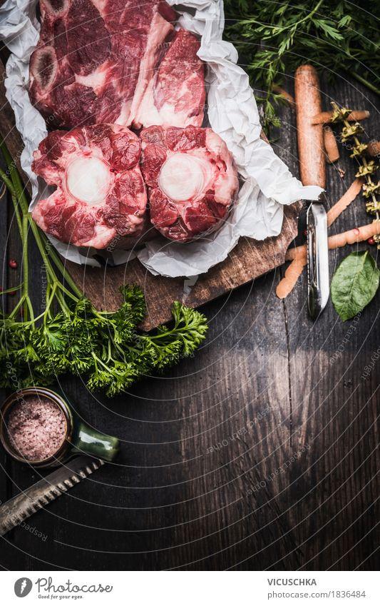Rohes Fleisch für Brühe oder Suppe Gesunde Ernährung dunkel Foodfotografie Essen Stil Lebensmittel Design Tisch Kräuter & Gewürze Küche Gastronomie Bioprodukte