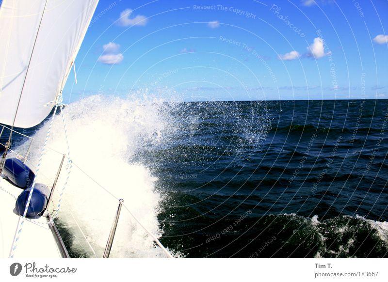 irgendwann muss es vorbei sein Natur Ferien & Urlaub & Reisen Sommer Wasser Sonne Meer Einsamkeit Wolken Ferne Umwelt Stimmung Wetter Wellen einzigartig