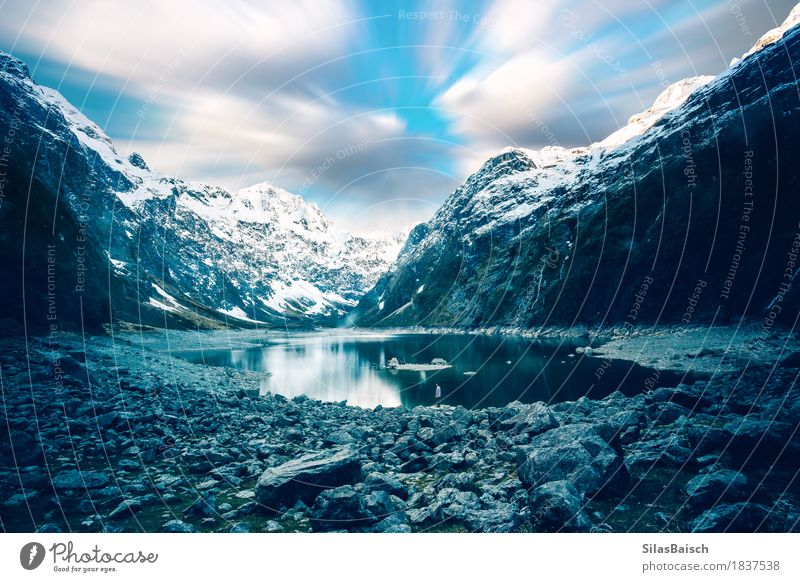 Eisseenabenteuer Klettern Bergsteigen wandern Mensch Junger Mann Jugendliche 18-30 Jahre Erwachsene Natur Landschaft Himmel Wolken Klimawandel Wetter Felsen