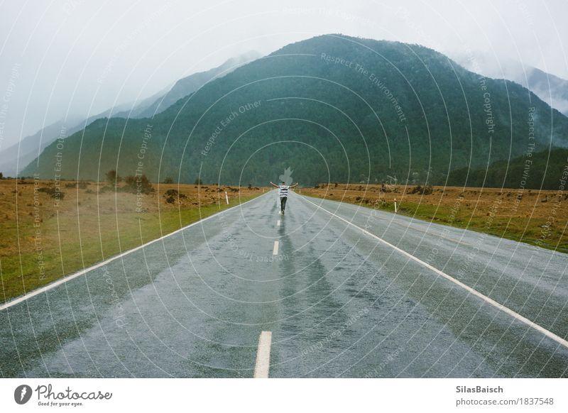 Nebelige Autobahnen Natur Pflanze Landschaft Freude Wald Berge u. Gebirge Straße Herbst Stimmung Felsen Regen Angst Idylle Wind Fröhlichkeit leer