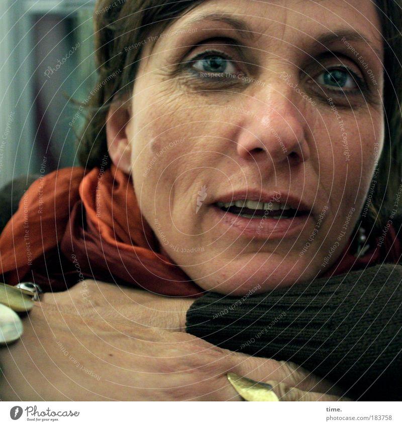 Leben. Verstehen. Frau Hand schön Gesicht Auge feminin Mensch Erwachsene Porträt Mund warten Nase offen Sicherheit Hoffnung Neugier