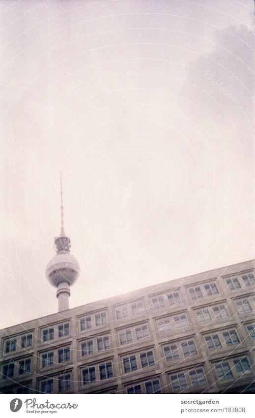 schräges platten-cover. Himmel Wolken Berlin Fenster grau Lomografie Gebäude Architektur Beton Coolness Technik & Technologie Tourismus Fernsehen