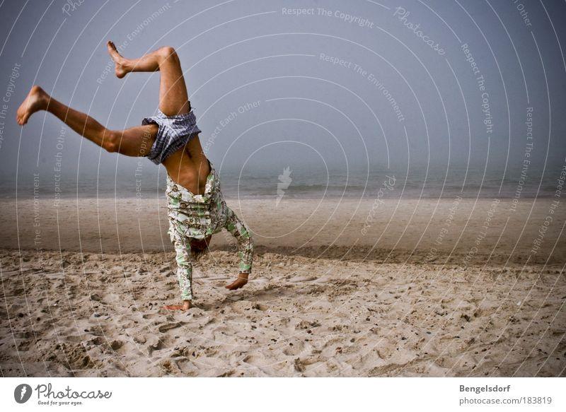 100! Farbfoto Außenaufnahme Schatten Kontrast Weitwinkel Ganzkörperaufnahme Vorderansicht Blick nach unten Gesundheit Leben Wohlgefühl Zufriedenheit