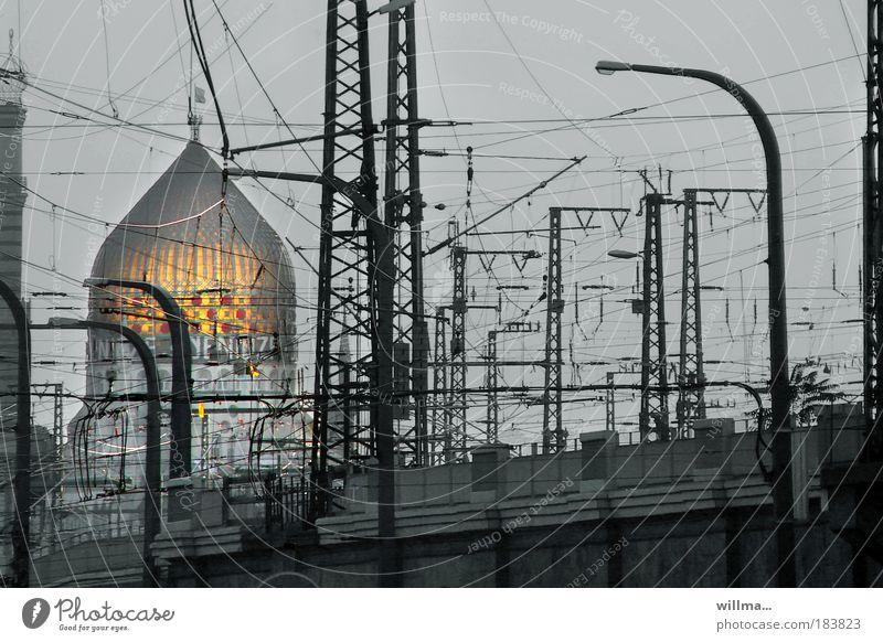 spannungsORIENTiert Stadt Sachsen Architektur Religion & Glaube Verkehr Elektrizität Technik & Technologie Bauwerk Dresden Verkehrswege Bahnhof Sehenswürdigkeit
