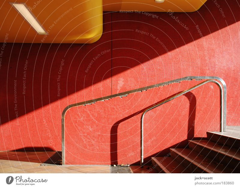 Linie Jungfernheide Stadt rot Wand Mauer Wege & Pfade Metall Treppe modern Sicherheit kaputt stehen Boden authentisch leuchten Warmherzigkeit Fliesen u. Kacheln