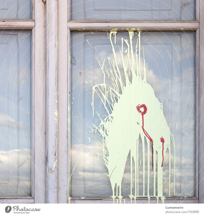 Wildfang Farbfoto Gedeckte Farben Außenaufnahme Menschenleer Himmel Wolken Haus Fenster Tier Pferd dreckig frei rebellisch wild Wut blau rosa abstrakt Kunst