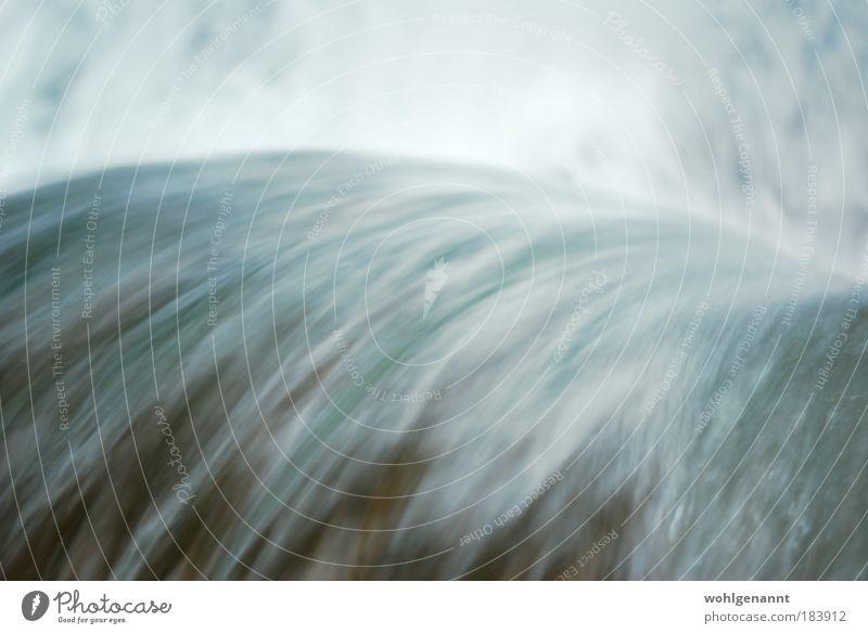 Fließendes Wasser Farbfoto Außenaufnahme Menschenleer Tag Bewegungsunschärfe Vogelperspektive Landschaft Fluss Wasserfall Energie Stimmung fließen Bach spritzen