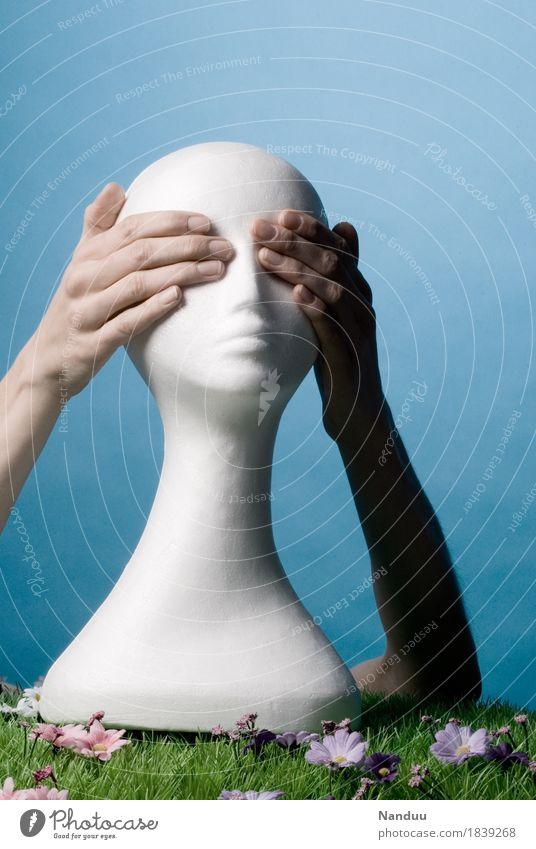 Nichts sehen Kopf Hand 1 Mensch Identität ignorieren blind Styropor Styroporkopf Perückenkopf Glatze Perückenhalter zuhalten drei Affen schließen unsichtbar