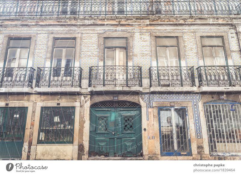 Bairro Alto II alt Stadt Fassade historisch Hauptstadt Altstadt Stadtzentrum Terrasse Portugal Lissabon