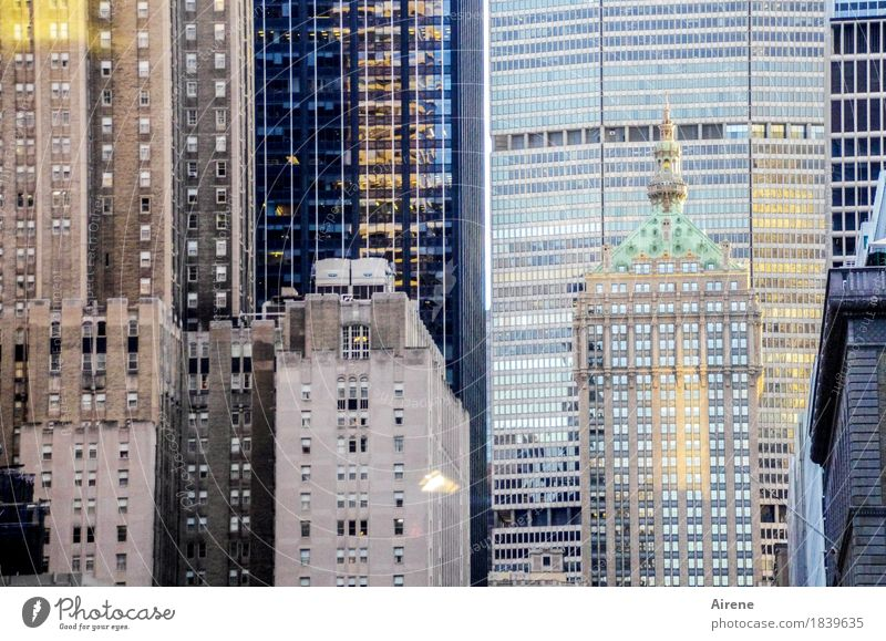 zusammenrücken Amerika Nordamerika Stadt Stadtzentrum Skyline Haus Hochhaus Fassade Beton Glas Metall Häusliches Leben gigantisch hoch blau grau Sicherheit