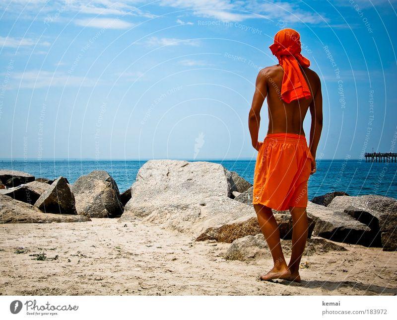 Bademeister Mensch Jugendliche Wasser Himmel Sonne Meer Sommer Strand Ferien & Urlaub & Reisen Wolken Mann orange Küste Körper Erwachsene maskulin