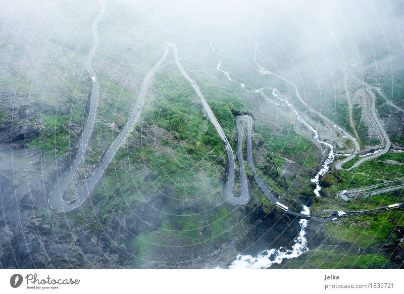 Road Up Natur Landschaft Wolken schlechtes Wetter Nebel Berge u. Gebirge Trolltindene Trollstigen Wasserfall Norwegen Europa Sehenswürdigkeit Verkehrswege