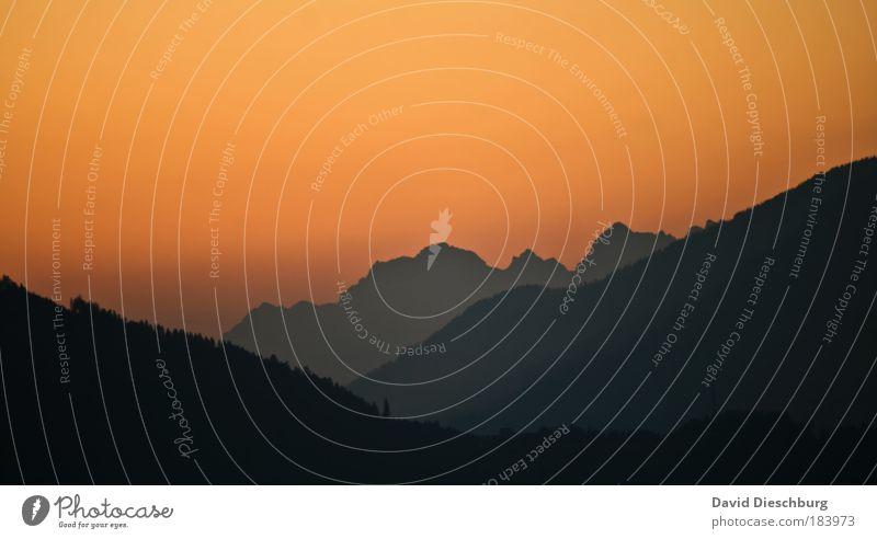 Momente der Sprachlosigkeit Himmel Natur schwarz Wald Landschaft Umwelt Berge u. Gebirge Luft Hintergrundbild orange Nebel Schönes Wetter Alpen einzigartig