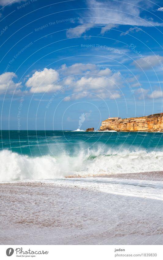ein wenig meer. Ferien & Urlaub & Reisen Tourismus Natur Landschaft Urelemente Wasser Himmel Wolken Schönes Wetter Wellen Küste bedrohlich blau grün