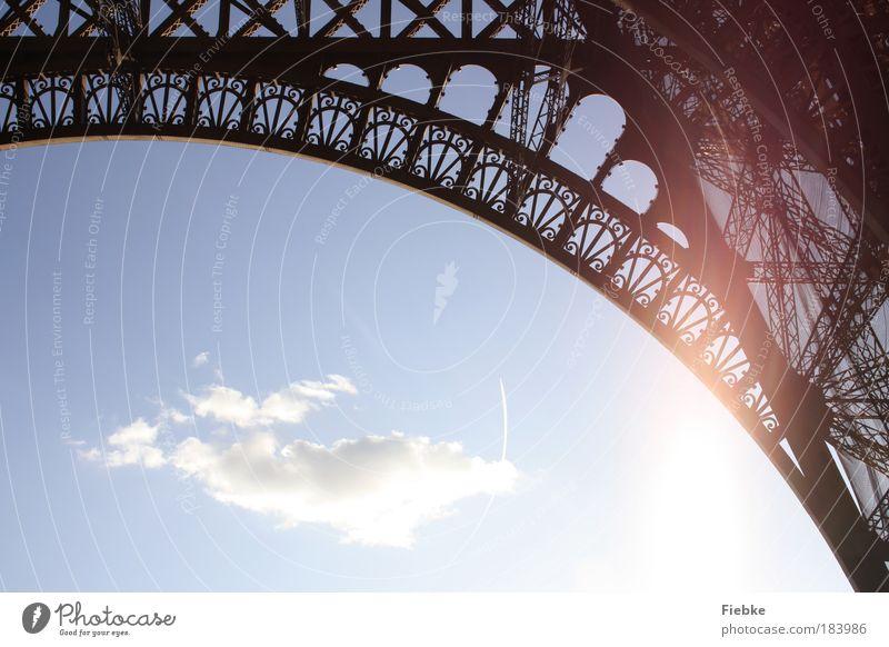 Paris Farbfoto Außenaufnahme Detailaufnahme Textfreiraum unten Tag Licht Kontrast Silhouette Reflexion & Spiegelung Sonnenlicht Gegenlicht Hauptstadt Turm