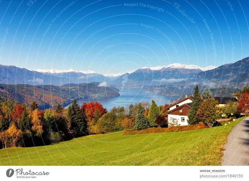 Sonniger Herbsttag auf dem See in den Bergen von Süd-Österreich Erholung Ferien & Urlaub & Reisen Tourismus Ausflug Abenteuer Ferne Freiheit Städtereise