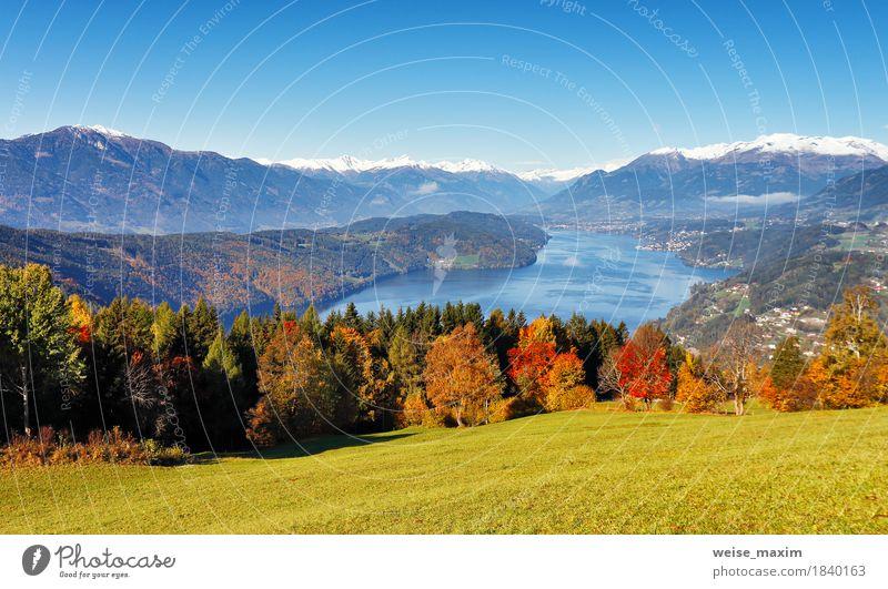 Sonniger Herbsttag auf dem See in den Bergen von Süd-Österreich Himmel Natur Ferien & Urlaub & Reisen blau Landschaft Erholung Haus Ferne Wald Berge u. Gebirge