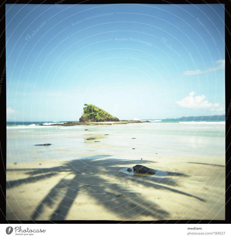 Schatzinsel Himmel Natur Ferien & Urlaub & Reisen blau Sommer Pflanze Meer Strand Reisefotografie Küste Freiheit Stein Sand Felsen Horizont Wellen