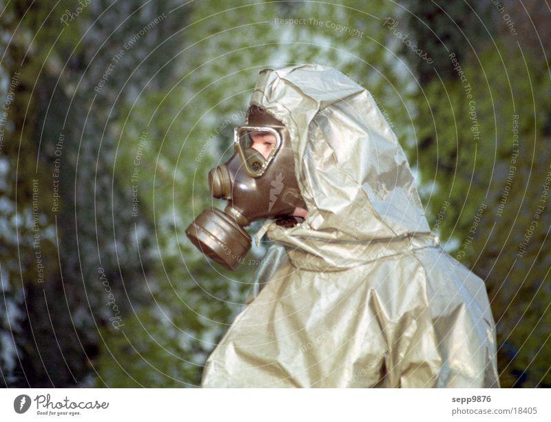 Gasmaske Atemschutzmaske Alarm Mensch Gift schlechte Luft