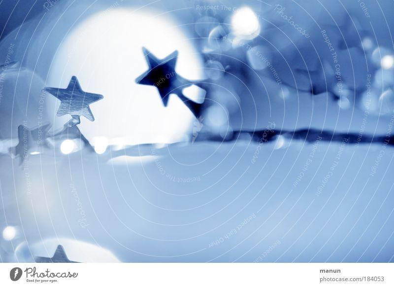 Xmas II Weihnachten & Advent weiß blau Winter abstrakt kalt hell Feste & Feiern glänzend Textfreiraum leuchten silber Freude Sinnesorgane