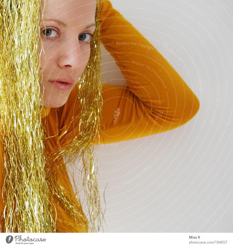 LaMAMAetta Mensch Weihnachten & Advent Jugendliche Gesicht Auge feminin Party Haare & Frisuren Kopf Porträt Tanzen Feste & Feiern Metall lustig blond Erwachsene