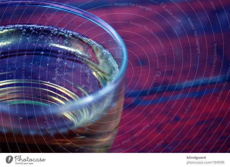 Have A Drink On Me Wasser blau rot Freude gelb Holz Glas Lebensmittel Fröhlichkeit Getränk trinken Gastronomie Flüssigkeit lecker Alkohol Sekt