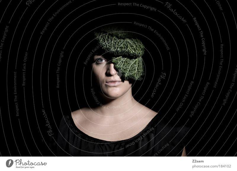 FASHION - biologisch abbaubar Mensch Natur Jugendliche schön Pflanze Gesicht Ernährung dunkel feminin Stil Haare & Frisuren Kopf Gesundheit Mode Erwachsene