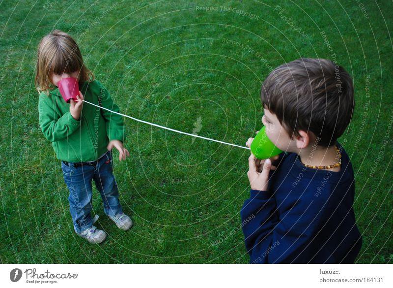 Hallo Familie & Verwandtschaft Freude sprechen Spielen Mensch Freundschaft Kindheit Technik & Technologie lernen Telefon Kabel Hoffnung Team Bildung