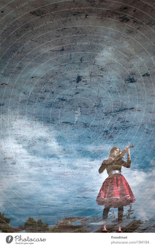 music in the air Frau Mensch Jugendliche schön Erwachsene Erholung feminin Stil träumen elegant ästhetisch Romantik Unendlichkeit Frieden Sehnsucht Kreativität