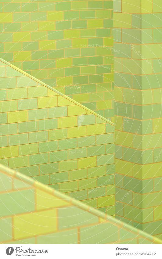 \| grün Wand Treppe Fliesen u. Kacheln diagonal Säule Muster Raster Alexanderplatz Strebe Untergrund Unterführung abstrakt