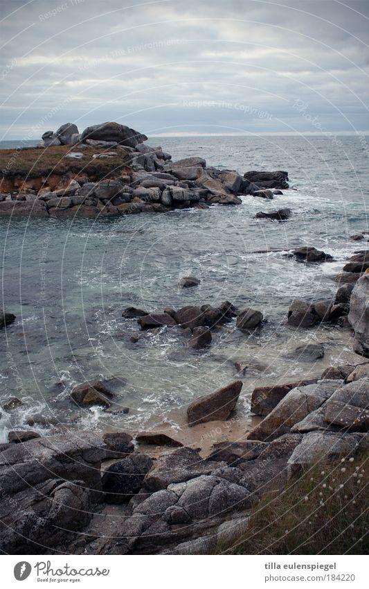 moin moin Natur Meer blau Strand Ferien & Urlaub & Reisen ruhig Einsamkeit Ferne dunkel kalt Erholung Herbst Bewegung Stein Landschaft