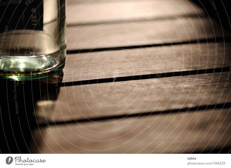 leer Erholung Einsamkeit Gefühle Holz Lifestyle braun Zufriedenheit Glas Glas Ernährung Tisch Getränk Ausflug trinken Gastronomie Restaurant
