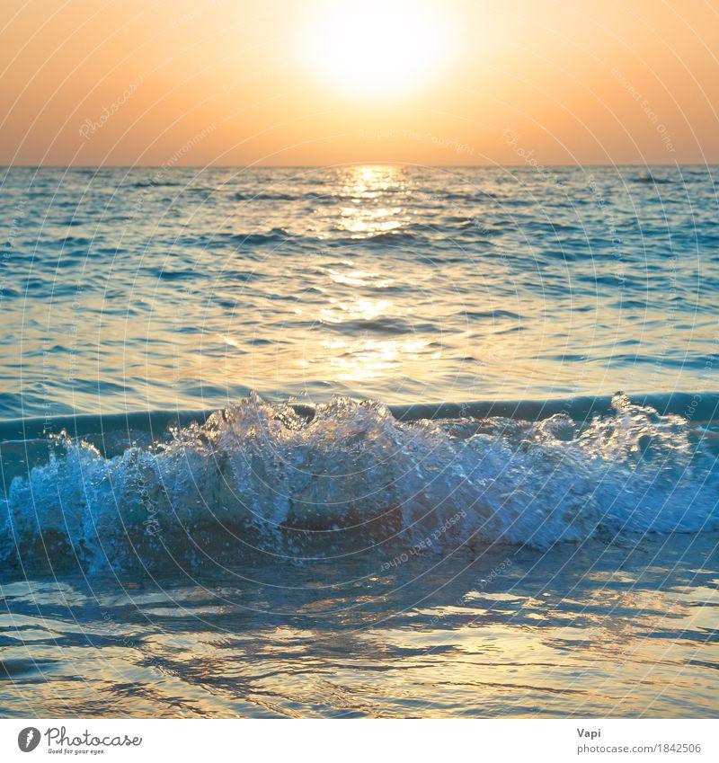 Sonnenuntergang über dem Meer Ferien & Urlaub & Reisen Sommer Sommerurlaub Strand Wellen Natur Landschaft Sand Wasser Himmel Horizont Sonnenaufgang Sonnenlicht