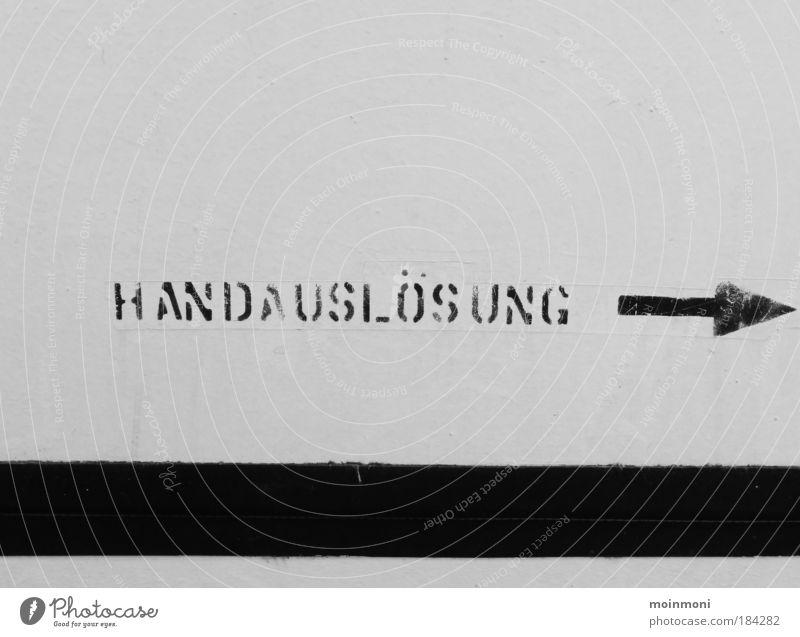 Handarbeit weiß schwarz kalt grau Metall Schilder & Markierungen Schriftzeichen Streifen Güterverkehr & Logistik Hinweisschild Zeichen Pfeil Stahl Schifffahrt