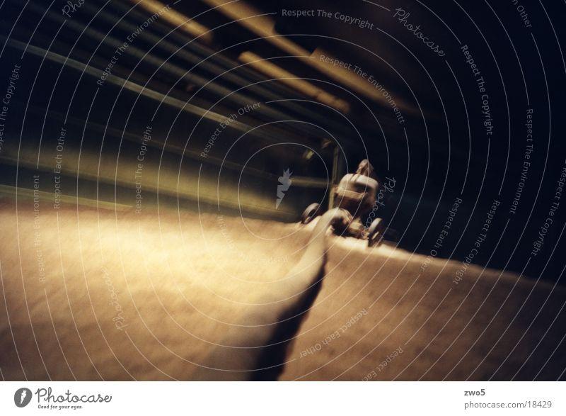gasometer01 Gasometer Froschperspektive Unschärfe Industrie Lomografie
